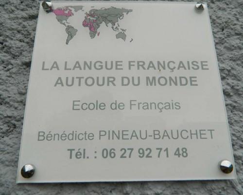 Enseigne de La Langue Française Autour Du Monde